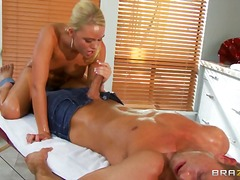 A dirty masseuse - Over Thumbs