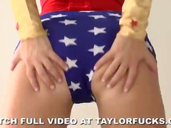 Thumb: Taylor is wonder woman