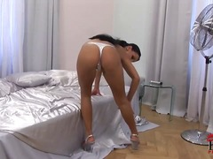 Aneta keys is sure loo... video