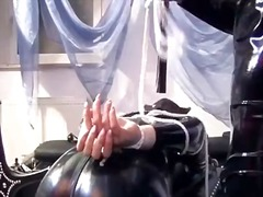 DrTuber Movie:Man in latex dominates over th...