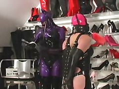 Xhamster Movie:Cleaning mistress dressing shoes