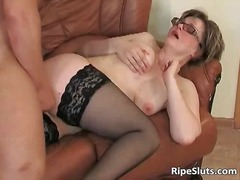 Big muscular guy screws this hot mature pussy hard