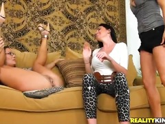 Updatetube Movie:Attractive experienced busty s...