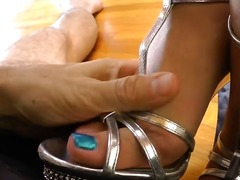 Updatetube Movie:Provocative beautiful blonde j...