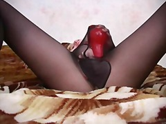 Chick masturbating in ...