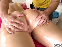 Updatetube Movie:Hot and sensual blonde alexis ...