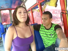 Updatetube Movie:Arousing seductive brunette se...
