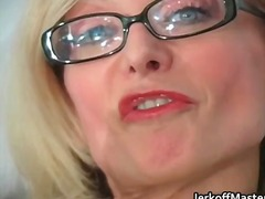 DrTuber Movie:Sexy milf nina hartley strippi...