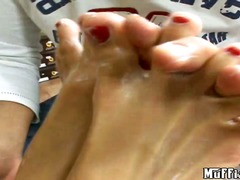 Short haired babe gets... - Wetplace