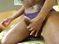 PinkRod Movie:Hot brunette shemale with gian...