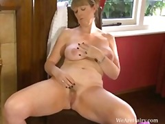 Sophie uk in the red room - Keez Movies
