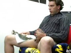 Thumbmail - Hot college twink is j...