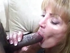 Yummy mature lady suck...