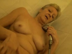 Alpha Porno - Granny showers and pla...