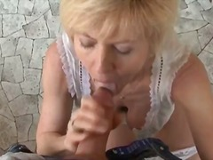 Nasty mature woman goes crazy sucking