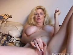 DrTuber - Beautiful blonde milf ...