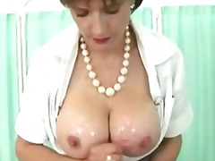 H2porn Movie:Busty wife gets tittyfucked by...
