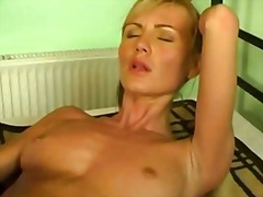 Hot babes trixi red an...
