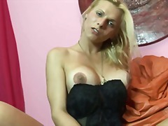 Sweet blonde ts jackin... video
