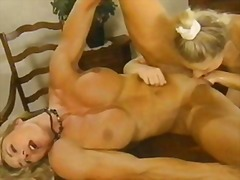 Bodybuilders big clit fisting and ana...