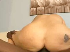 Blonde slut blowing an...