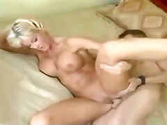 H2porn Movie:Mature mom with young guy