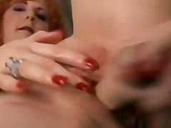 H2porn Movie:Ginger cougar is a squirter