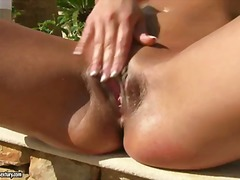 Angel rivas fills her ...