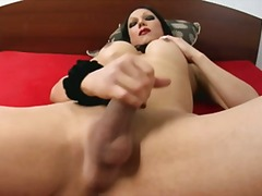Titty brunette solo ma...
