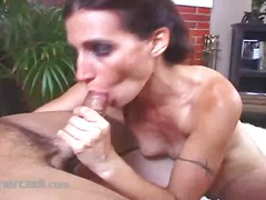 PornoXO Movie:Bodybuilder cheri teases and p...