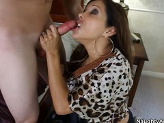 Francesca le caught her da... - 08:00