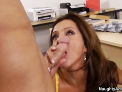 Professor francesca le is ... - 08:00