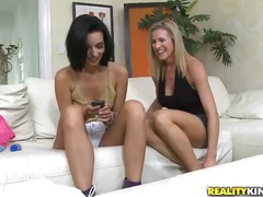 Thumb: These two milfs just c...