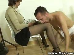 PornoXO Movie:Mrs sonia gets cum from this g...
