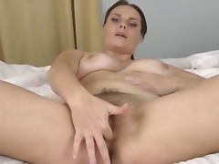 Bigtit mom finger fuck...