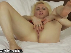 Thumb: Horny blond mature hou...