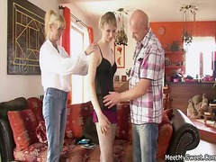 Yobt Movie:Mature mommy and seduce and po...