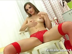 Gorgeous tina masturbating and squirting