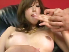 H2porn Movie:Emiri senoo cums so hard she w...