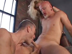 Thumb: Bisex group share blowjob