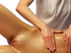 Alpha Porno Movie:Masseuse gives this girl a gre...