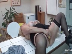Nuvid - Big titted mature hottie fucking herself on the desk