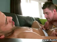 Thumb: Horny gay eats pornsta...