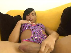 PornoXO - Black tranny loves sol...