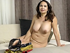 Old lady demonstrates ... - Xhamster