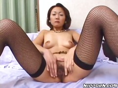 Alpha Porno Movie:Hairy pussy between her legs i...