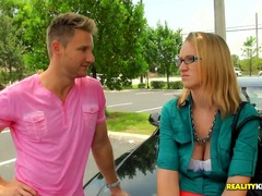 PinkRod Movie:The cute lady in glasses is