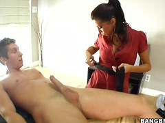 This masseuse will sto... video