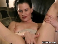 ProPorn Movie:Horny slut masturbating with h...