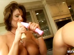 Blonde milf gets her p...